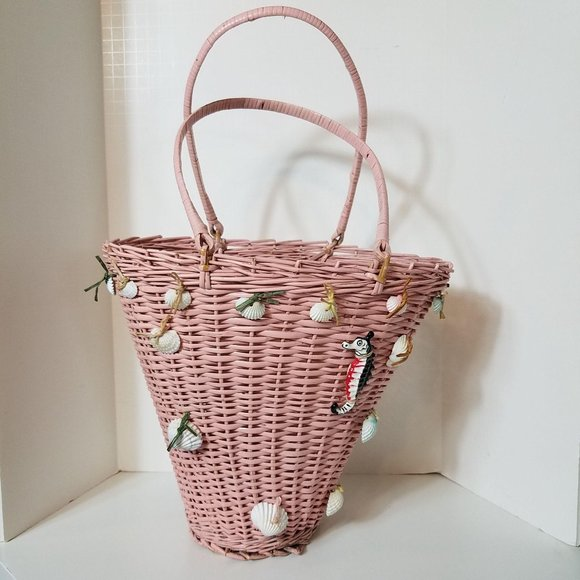 """Vintage 9 3/4"""" Tall Wicker Basket/Tote with Seashe"""